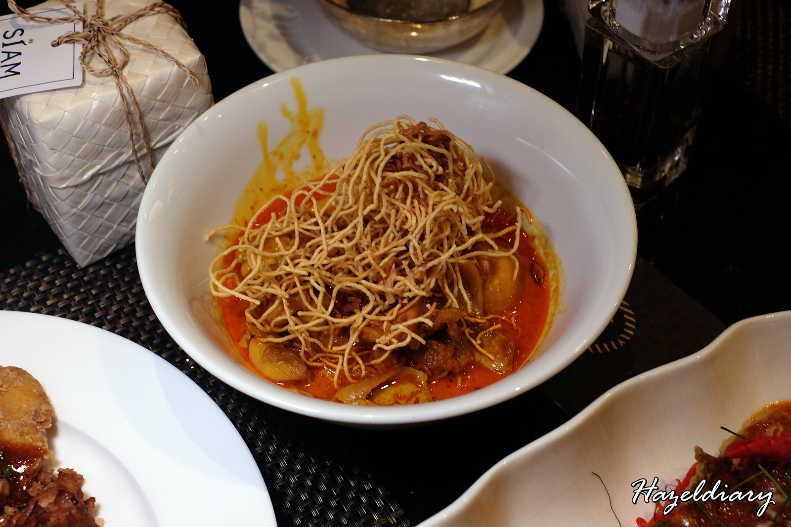EnThaising Siam-The Dining Room Sheraton Towers Singapore-Coconut noodles with chicken