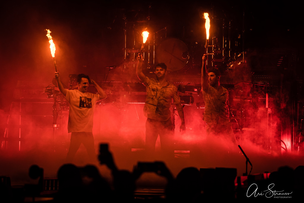 TheChainsmokers_CapOneArena