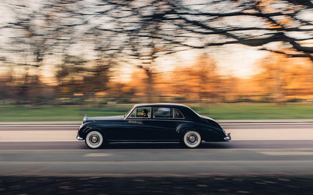 a10358e3-lunaz-classic-electric-cars-12