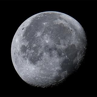 Moon 2019-10-17 06h 43m