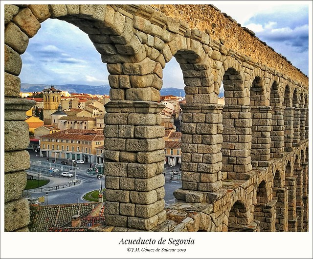 Casi 2000 años y permanece en pie: acueducto romano de Segovia / Almost 2000 years and stands: The Roman aqueduct of Segovia