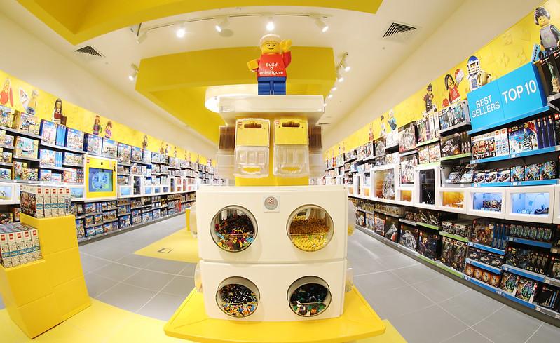 LEGO_Southampton_Minifigure2