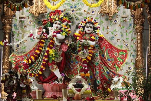 ISKCON Vallabh Vidyanagar Deity Darshan 17 Oct 2019