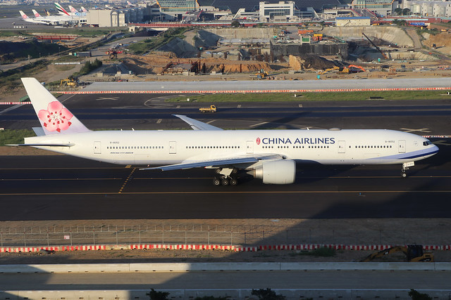 B-18052  -  Boeing 777-36NER  -  China Airlines  -  TPE/RCTP 11/10/19