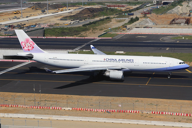 B-18351  -  Airbus A330-302  -  China Airlines  -  TPE/RCTP 11/10/19