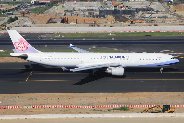 B-18310  -  Airbus A330-302  -  China Airlines  -  TPE/RCTP 11/10/19
