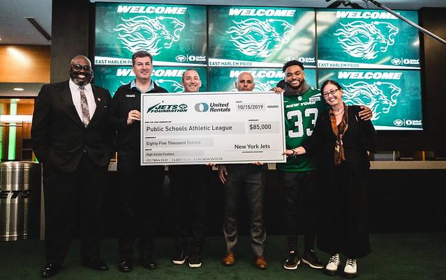 2019-20 - Event - Jets Donation Event & Check Presentation w. East Harlem Pride -077