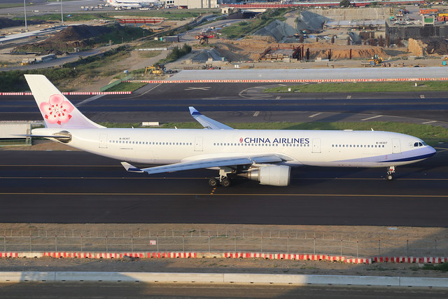 B-18307  -  Airbus A330-302  -  China Airlines  -  TPE/RCTP 10/10/19