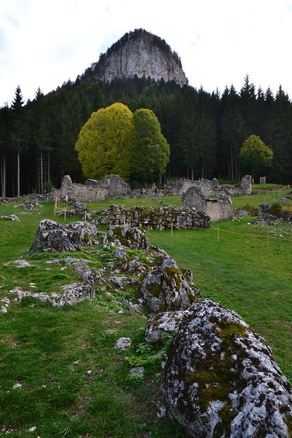 Valchevrière, un hameau resté en ruine depuis juillet 1944