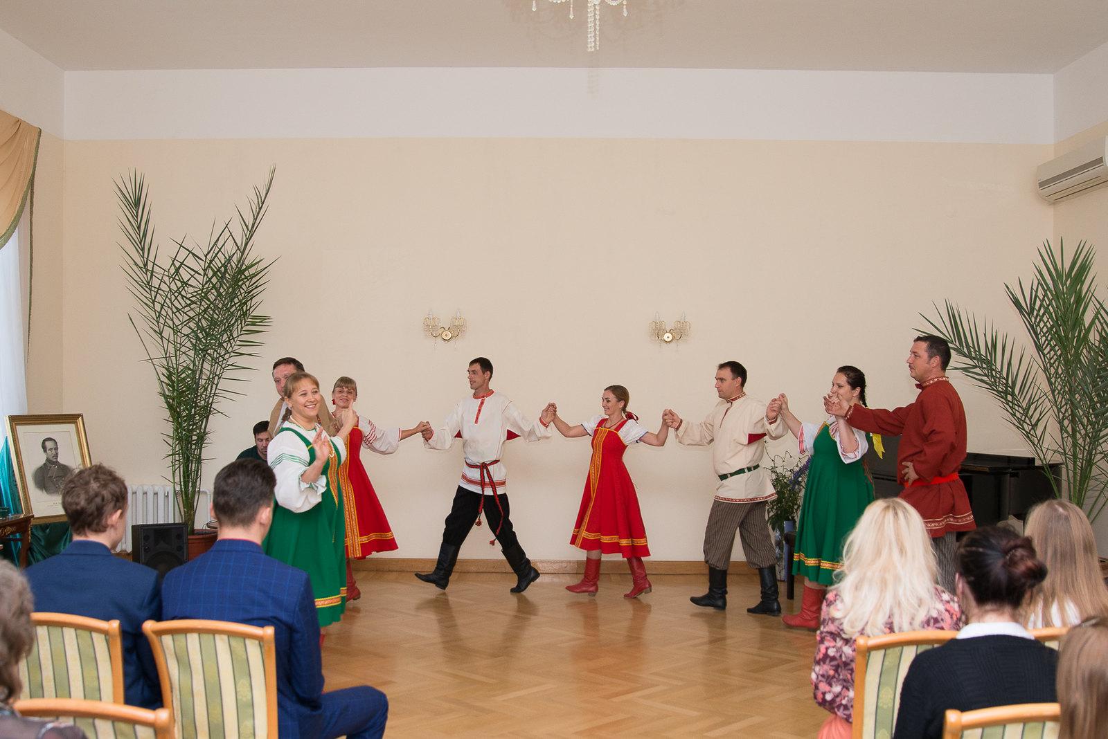 Завершением праздника стал концерт фольклорного коллектива музея