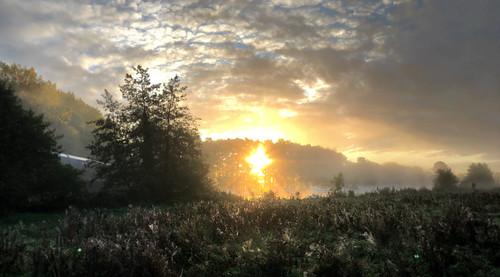 iphone8 sunrise thamesriver england englishcountryside oxfordshire greatbritain