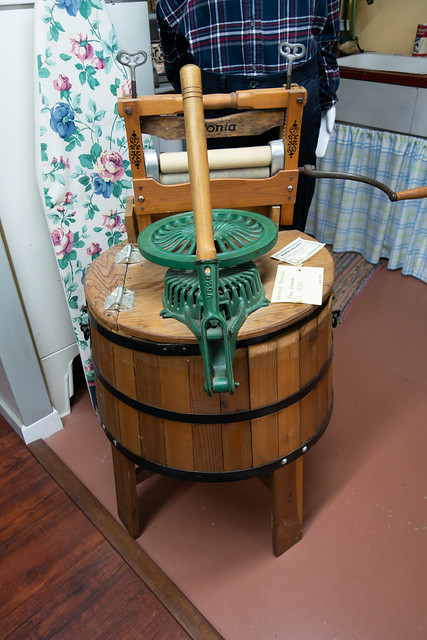 1930 hand-operated washing machine
