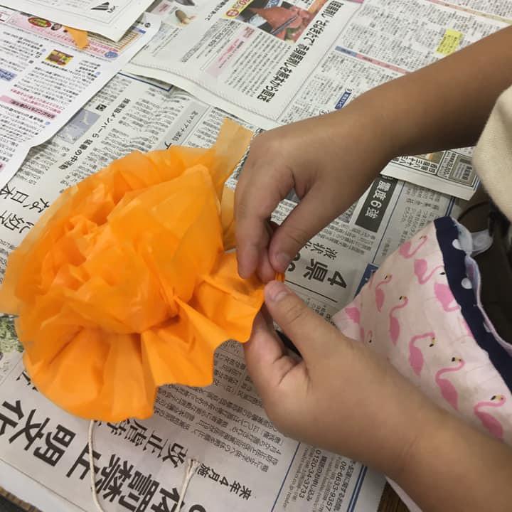 お花紙で かぼちゃ02