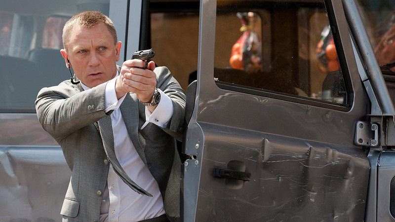 james_bond_skyfall_large_1600x900