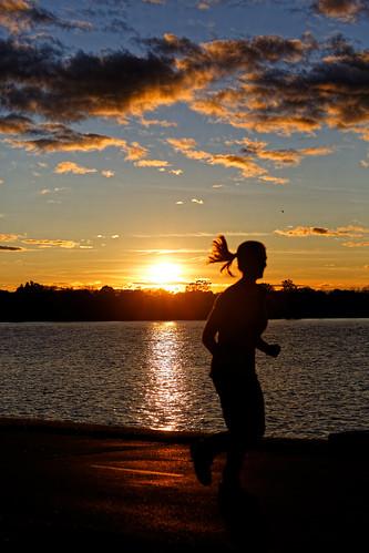 runner recreationaltrail foxriver foxrivertrail depere wisconsin sunset