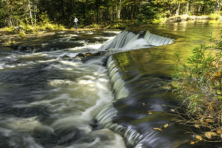 waterfall details on the Ontonagon River at Bond Falls