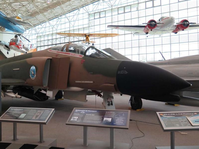 ΜακΝτόνελ Ντάγκλας F-4C Φάντασμα ΙΙ 1