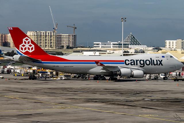 Cargolux Airlines International - Boeing 747-4HA(ERF) / LX-LCL @ Manila