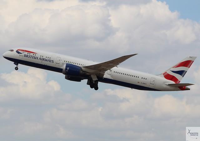 British Airways B787-9 G-ZBKC taking off at LHR/EGLL