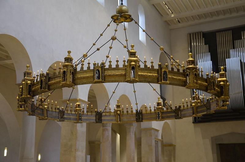 53 Бронзовый хорос собора Успения 1061 г.