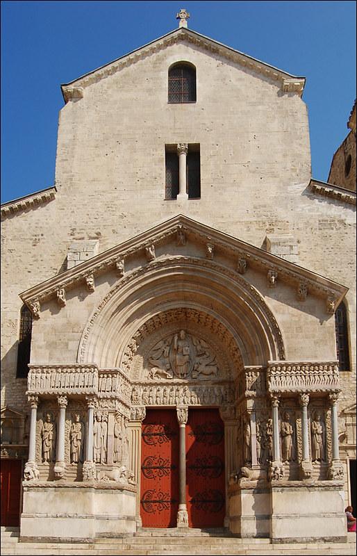65 Собор Сент-Трофим в Арле, Франция 1180-90