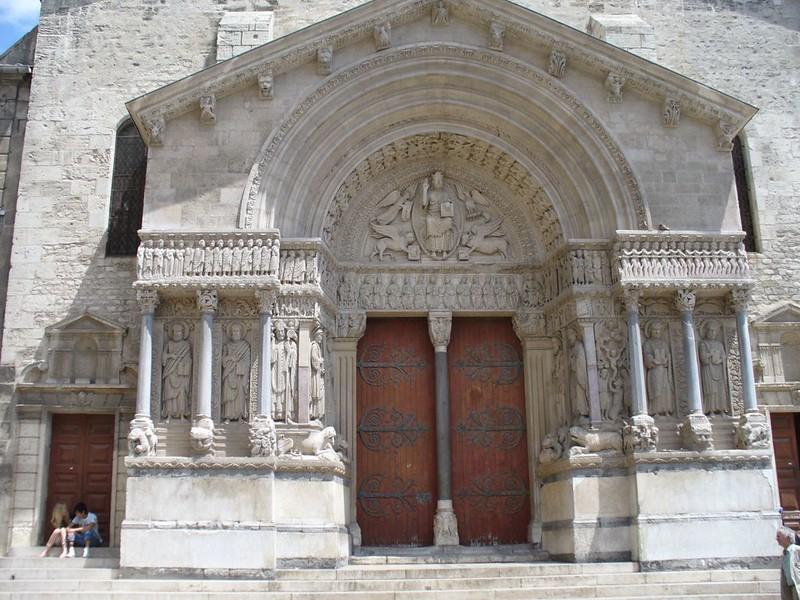 66 Собор Сент-Трофим в Арле, портал