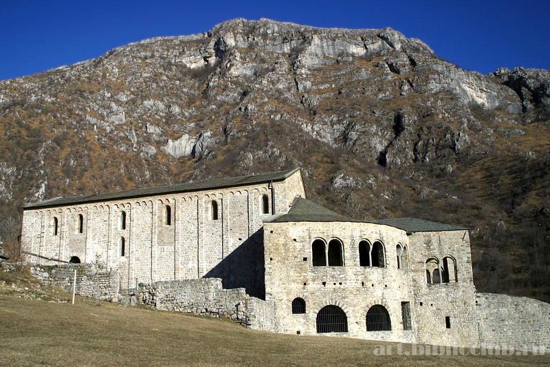 70 Церковь Сан-Пьетро-аль-Монте в Чивате, Италия XI в