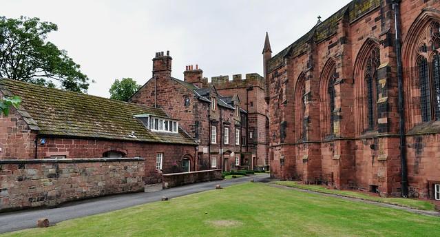 Enclos cathédral, cathédrale de la Sainte Trinité, (XIIe-XIIIe), Carlisle, Cumbria, Angleterre, Royaume-Uni