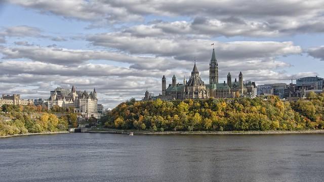 Parliament Hill / Colline du Parlement