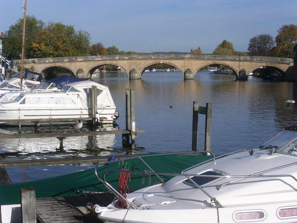 Henley bridge Henley via Hambleden walk