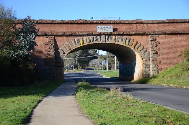 DSC_0272 railway bridge over Laurel Street, Golden Square, Victoria