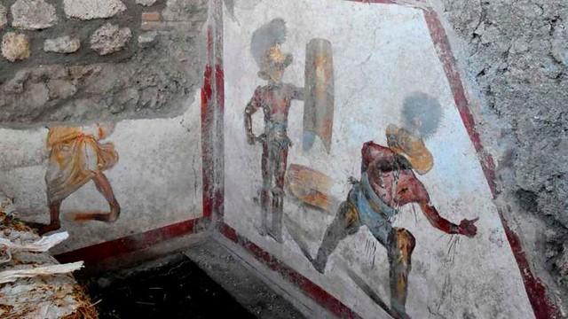 italy-pompeii-fresco-discovery