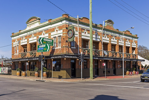 Royal Oak Hotel in Cessnock (1) | by Bidgee