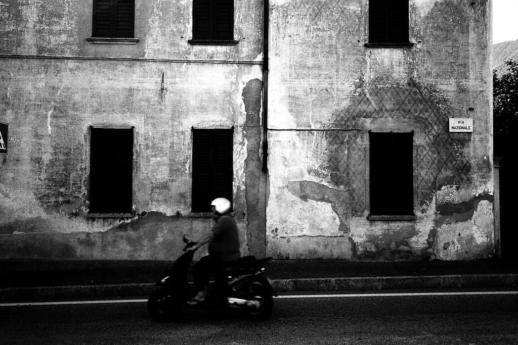 Via Nazionale (Ricoh GR1)