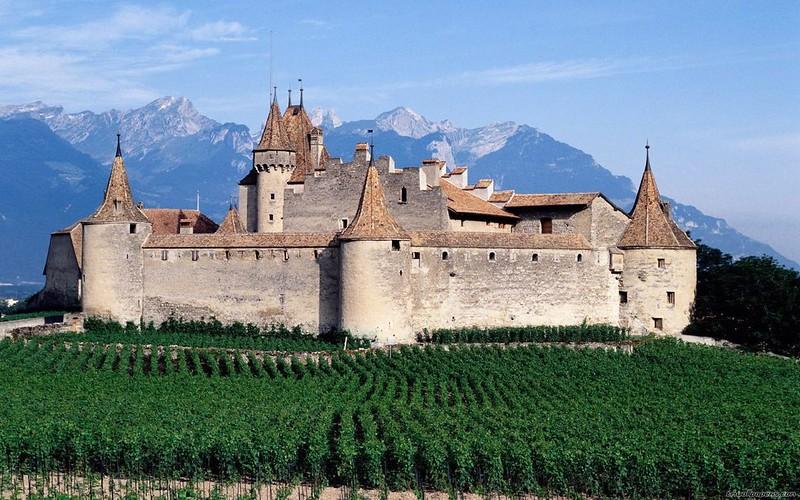 05 Замок Эгль в Швейцарии