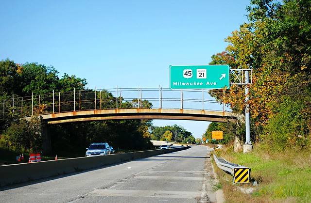 Milwaukee Ave., & River Rd. Exit - Prospect Heights/ Wheeling, Illinois