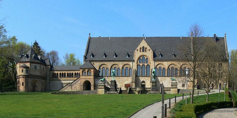 08 Императорский замок Гослар - место рождения Генриха IV