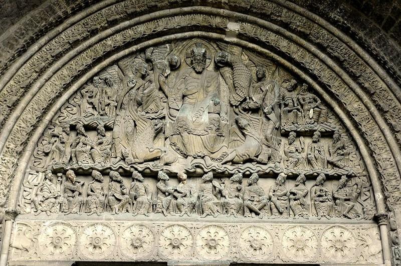 28 Аббатство Сен-Пьер. Тимпан южного портала. Христос во славе с праведниками