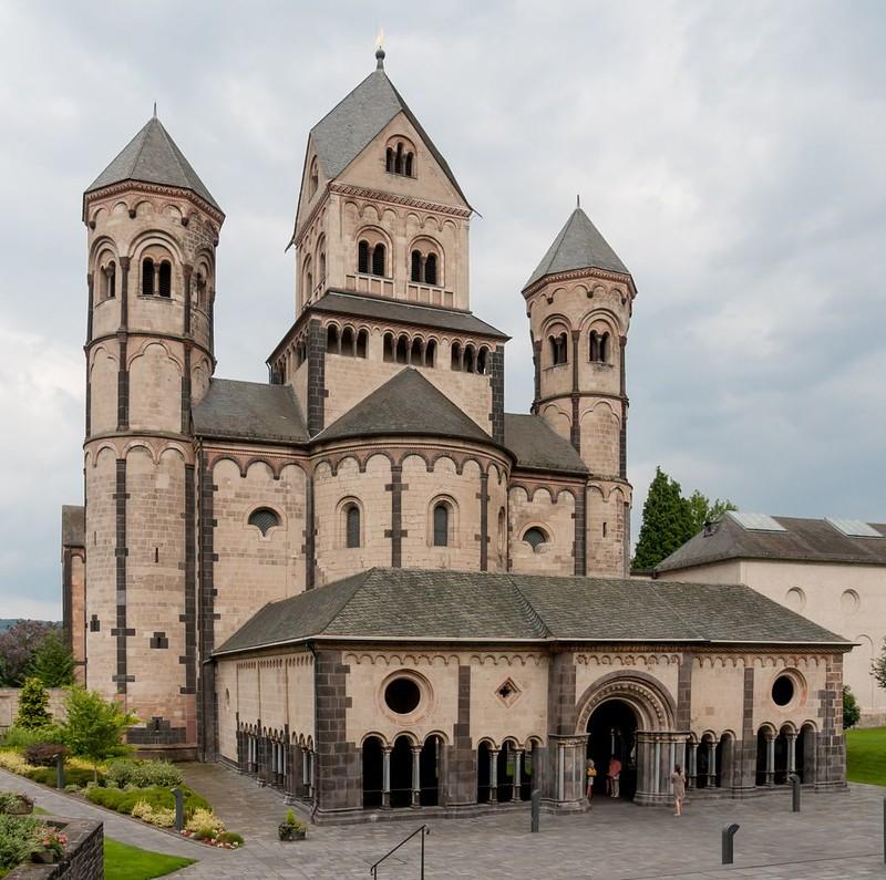 47 Собор Святой Марии, Лаахское аббатство, Германия (1093 - 1216 гг.)