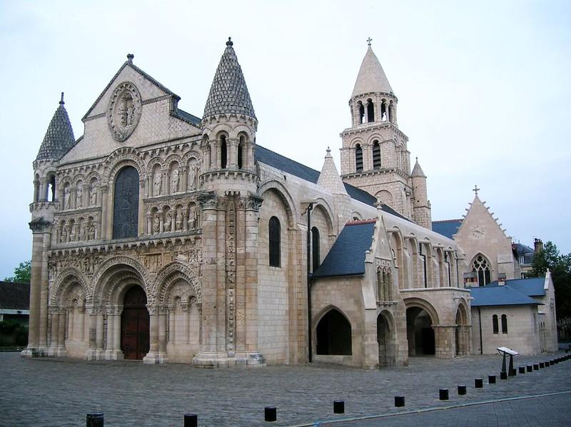 57 Нотр-Дам ла Гранд в Пуатье, 1086 г