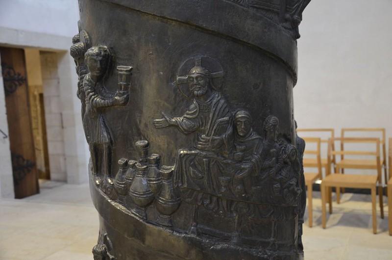 55 Колонна епископа Бернварда Фрагмент