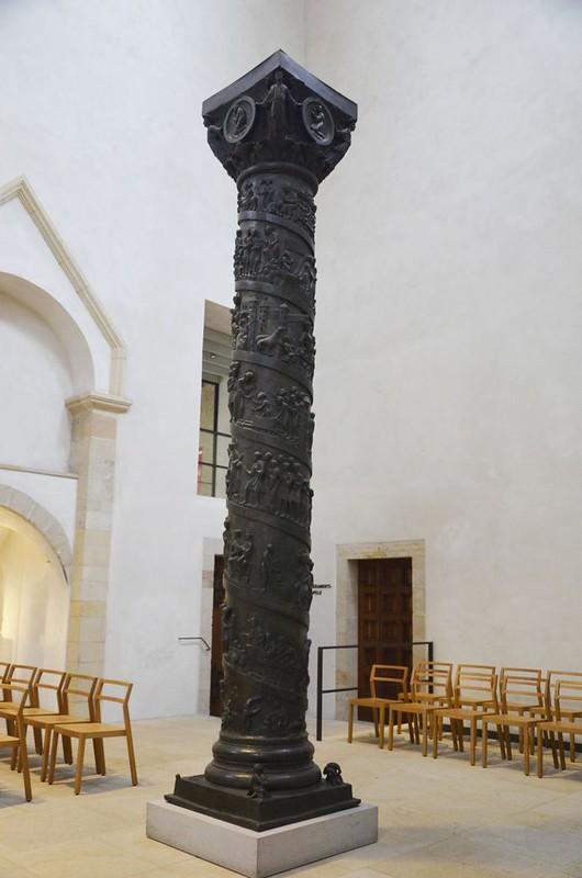 54 Бронзовая колонна Епископа Бернварда Первая четверь XI в.
