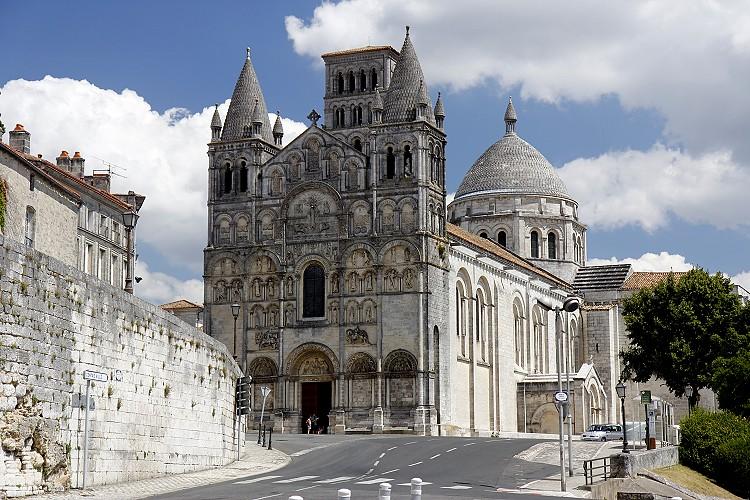 62 Собор Сан-Пьер в Ангулеме, 1108-1128