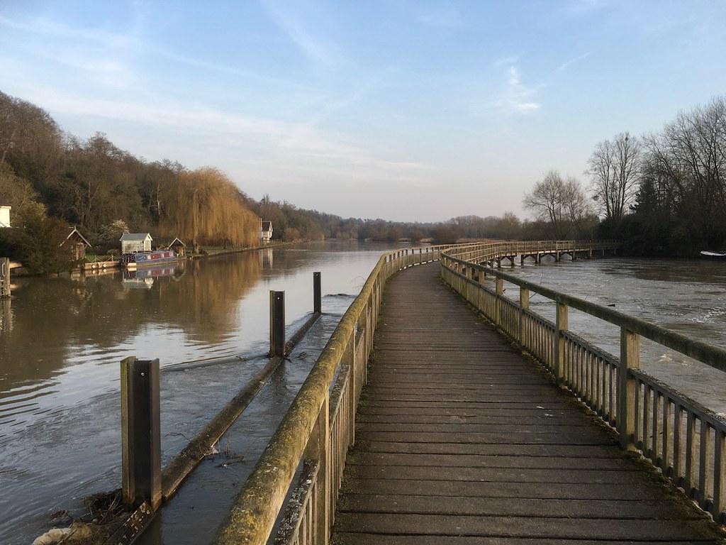 Marsh Lock Henley via Hambleden walk