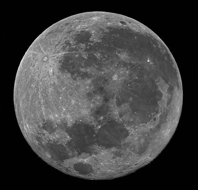 Panorama_luna_2_corregido2_registax_3final_clone2 blanco y negro final