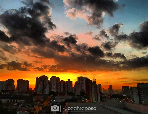 Por do sol | by @caahraposo