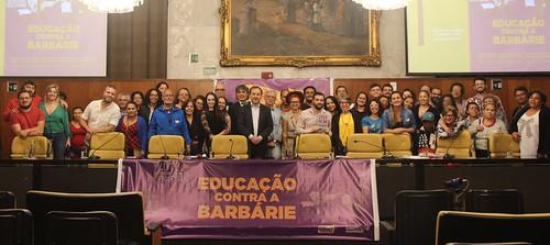 Seminário Educação contra a Barbárie