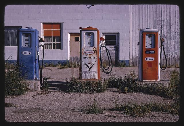 Vickers gas pumps, Route 30, Plainview, Nebraska (LOC)