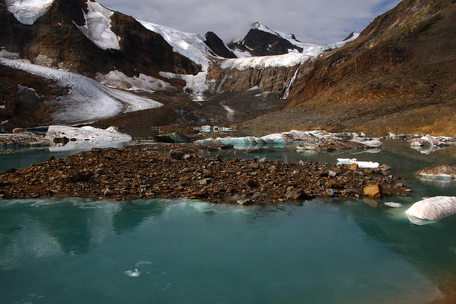 Glacial lake, Cariboo Mountains (Canada)