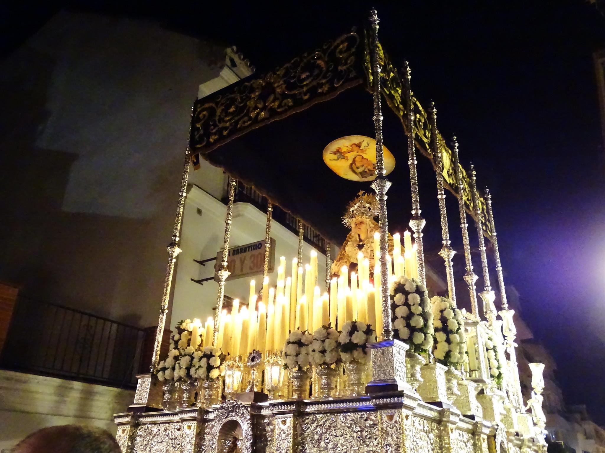 Paso de La Virgen Semana Santa 2017 en Fuengirola Málaga 05